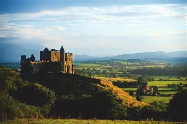 凯袖宫(Rock of Cashel).webp.jpg